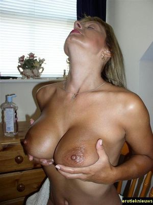 wonderfully-set-of-boobs Mature XXX Pics