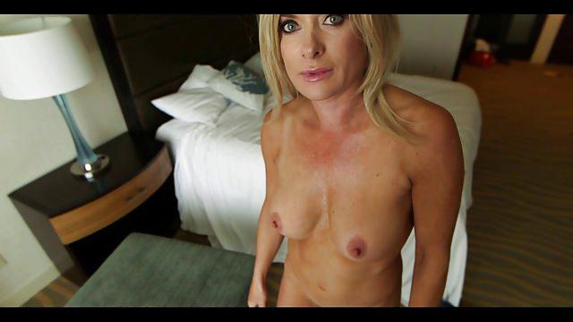 Mature blonde milf pictures