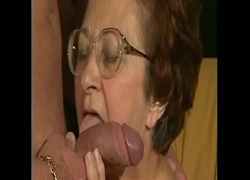 الجدة لا يزال جوليا الملاعين جيد جدا