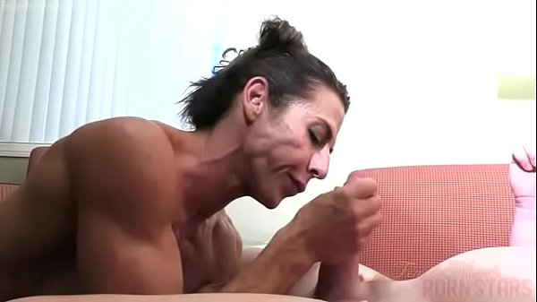 Nude female bodybuilder fucking and sucking instructor
